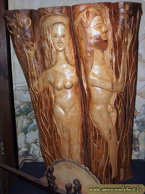 La double tentation ; Sculpture en Cerisier.