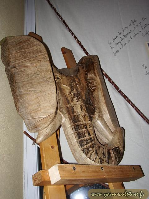 Tête d'éléphant ; Sculpture en Noyer.