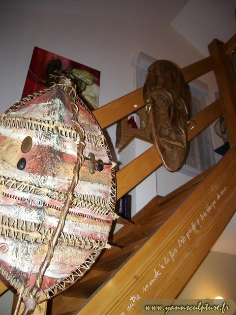 Trio de masques ; Sculpture en Noyer.